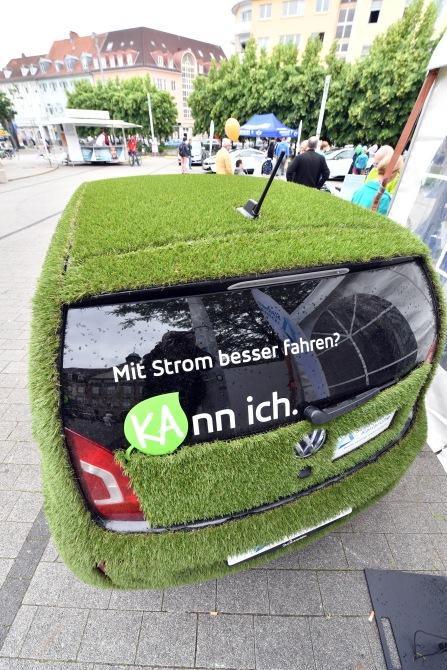 Ökologisch mobil mit Erdgas- und Elektrofahrzeugen Stadtwerke Karlsruhe unterstützen ihre Kunden mit Zuschüssen.